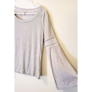 [L.A.Hearts] Gray Bell Sleeves w/Lace Detail
